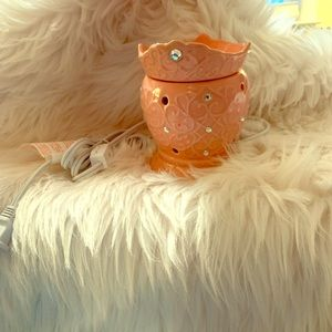 Scentsy brand Crown Warmer, excellent condition.